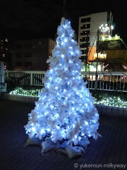 五反田・目黒川沿いのクリスマスツリー