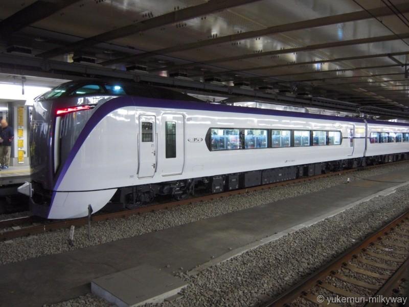 JR東日本E353系 特急 スーパーあずさ11号 松本行き 長モトS203編成 クモハE353-3 @新宿 17-12-23