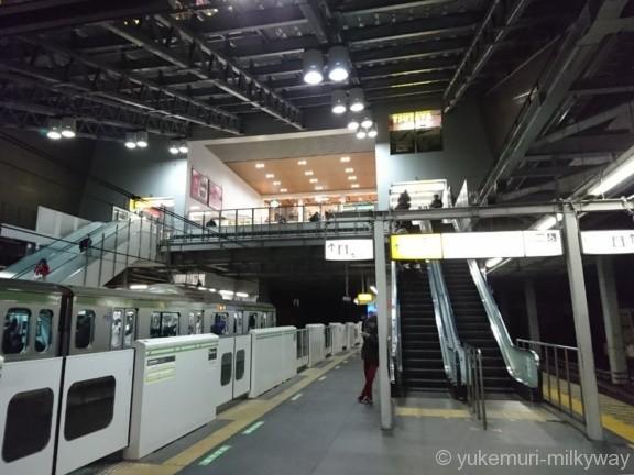 田端駅3・4番ホーム北口エスカレーター