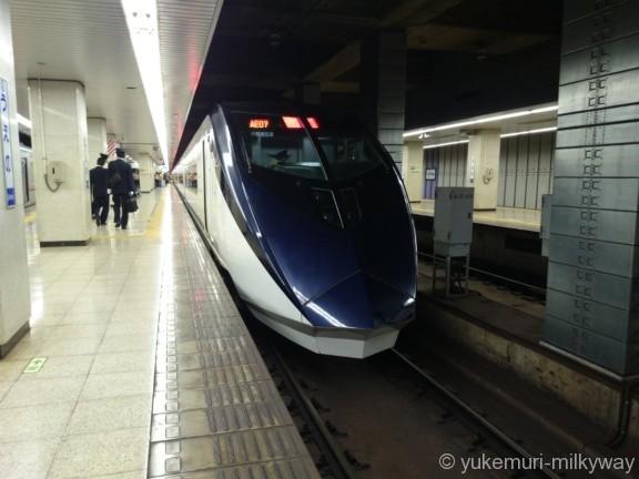 京成AE形 スカイライナー31号 成田空港行き AE1F AE1-1 @京成上野 15-04-11