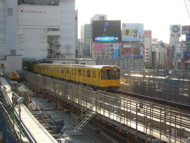 東京メトロ 1000系特別仕様車両 浅草行き 1139編成 1039 @渋谷 17-04-23