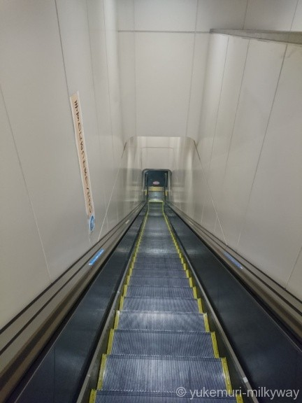 世田谷代田駅 1階~地下1階エスカレーター