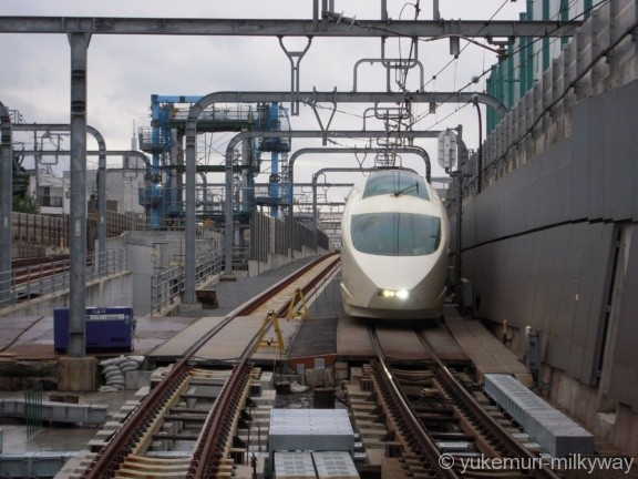 東北沢駅 地下仮設ホーム 1番ホーム